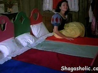 雪白髮現一個新的家shagasholic com