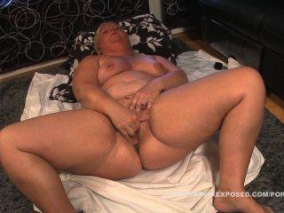 胖胖的瑞典女人手淫加入現在觀看完整的場景
