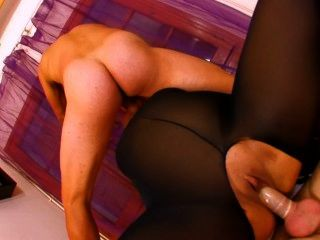 矮胖的法國妓女在尼龍一塊得到他媽的2公雞