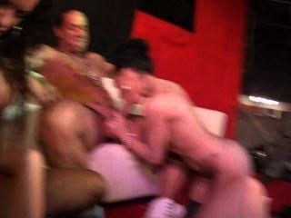 喬丹·卡利和佩內洛普虎暨在這個公開的fuckfest
