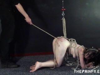 硬核奴隸性和提交的性奴隸綁和使用