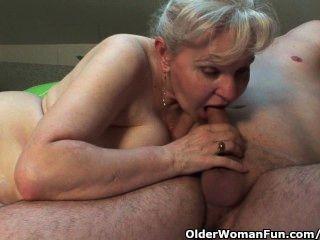 奶奶的奶奶需要下半年她的公雞