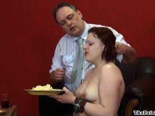噁心的食物屈辱和殘酷的國內學科性感的戀物癖