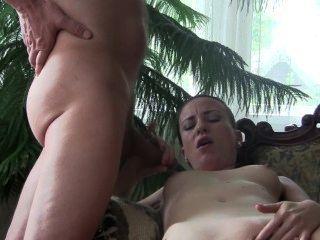 bj女王sylvia chrystall在客廳裡。pornstar首頁視頻