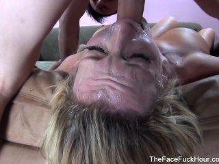 豐滿的妓女吸一個硬公雞