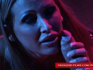 天堂電影mandy明亮使用她的性奴隸