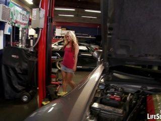 汽車修理工操性感,角質寶貝