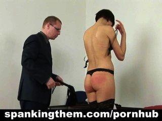 懲罰懶惰的秘書