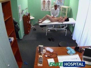 fakehospital熱寶貝想要她的醫生吸她的奶子