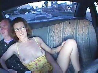 夫婦在駕駛室有性