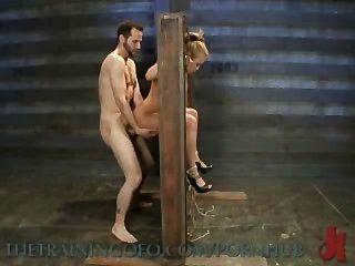 米亞萊拉尼異國情調色情蕩婦被綁,折磨和性交