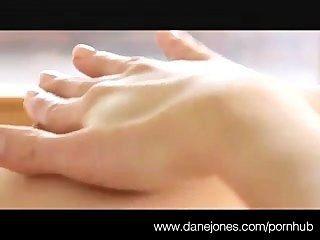 danejones美麗的乳房和高潮