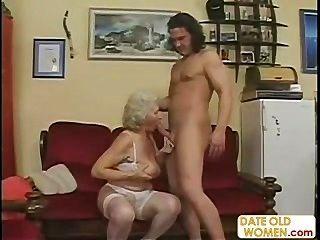 蘇格蘭老奶奶得到性交