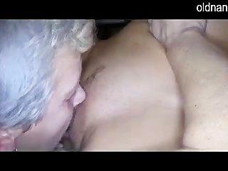 老婦人和女孩