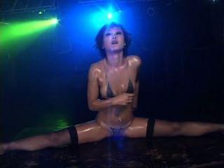 微比基尼油性舞蹈2場景3 nana kitami