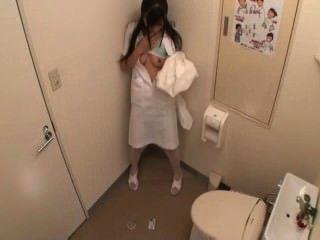 護士自慰在洗手間(mrbob7777)