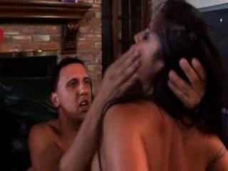 兩個latinas有他媽的樂趣