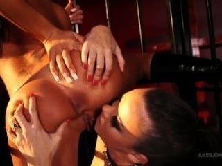 安吉麗娜情人節做索菲亞santi她的性奴隸