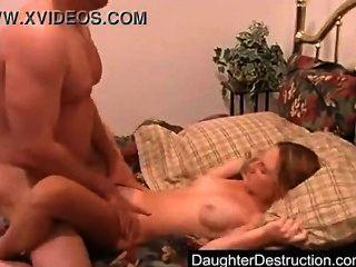 爸爸和繼女兒