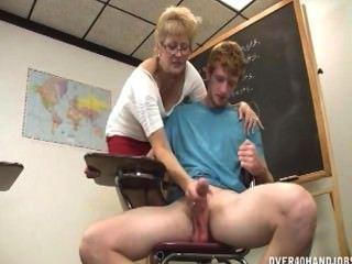老師否認性高潮