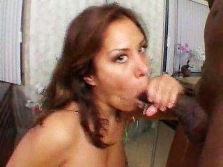 這就是為什麼她愛大黑公雞!