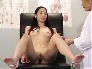 亞洲訪問她骯髒的醫生