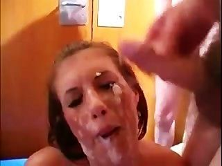 英國寶貝濕透了公雞鼻子
