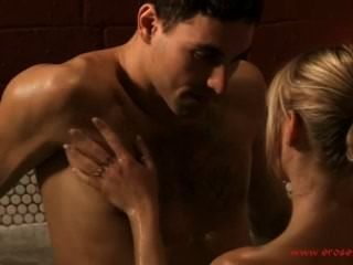 色情浴和性感的吻