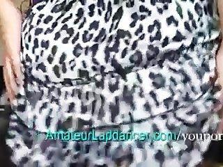 美髮師像一個lapdancer