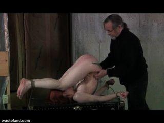 荒地奴役性電影萊拉和她的軀幹(第1頁)