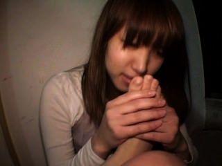 日本女孩自我的腳崇拜