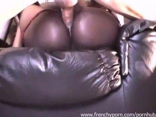 法國烏木的女孩得到一些肛交