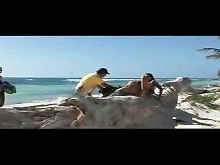快樂的妓女在天堂海灘!