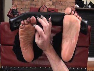 腳和油腳癢癢