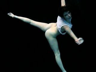 水下裸體體操flex petra