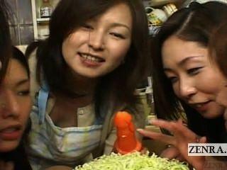 字幕日本徐娘半老和美洲獅cfnm口頭食品方