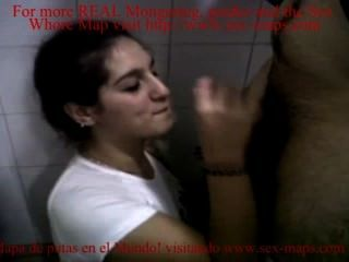 他媽的妓女在浴室裡