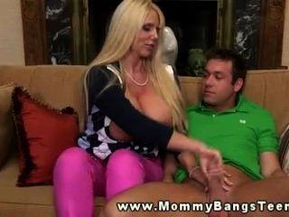 美洲獅媽媽有這麼漂亮的屁股