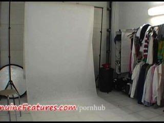 後台拍攝熱膠乳衣服