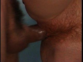 hovea熱紅發吮吸和他媽的在浴室裡