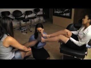 腳在美容院的崇拜