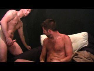 gay amateur spunk 2場景3