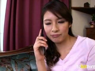 美麗的高亞裔女士是如此的角質