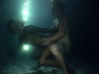 水下性作夢