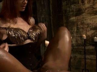 女主人擠奶她的奴隸長版本