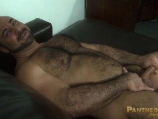 肌肉熊岩石拉巴拉波坡