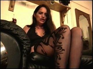 沙特情婦控制你w /她的腳