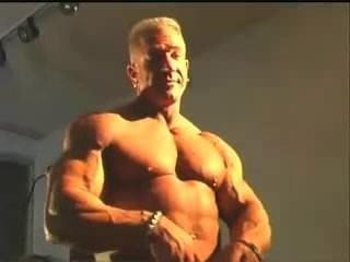 先生。肌肉男士