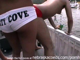 真正隨機黨女孩赤裸在公共方cove湖的奧扎克族mo