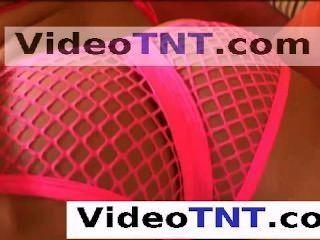 年輕青少年處女在她的在緊的桃紅色gstring氣喘的旅館客房附近